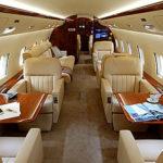 {:ru}Частный самолёт Challenger 850 в Черногории